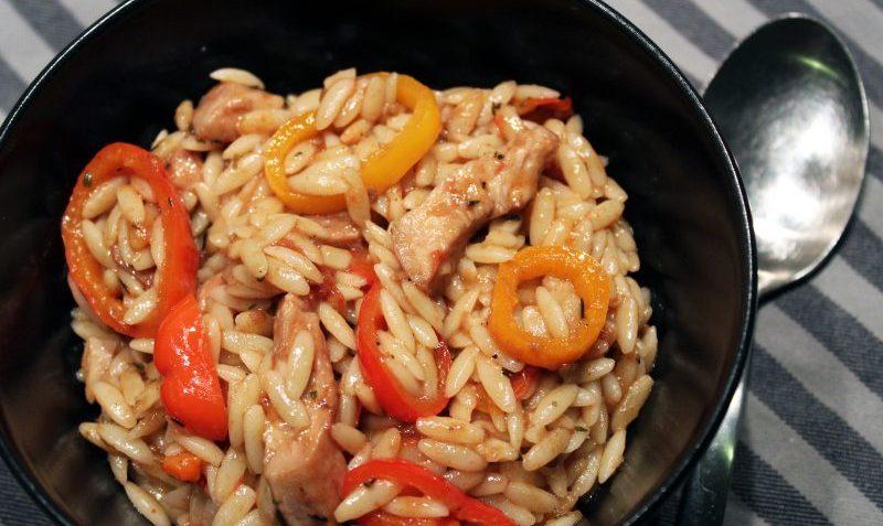 Idee Repas Avec Pates.Pâtes Grecques à La Sauce Tomate Poulet Et Poivrons