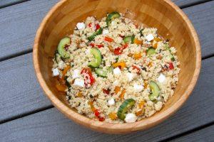 Salade de couscous avec poivrons et feta