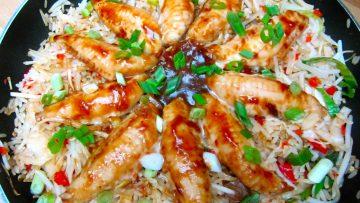 Filet de rouget à la sauce soja avec du riz sauté
