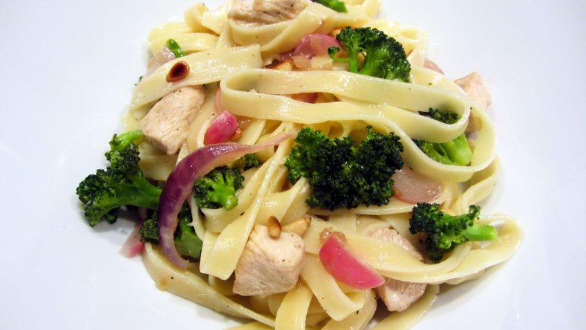 tagliatelle poulet légumes