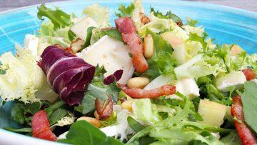 Salade de lardons et brie
