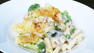 Macaroni à la sauce fromage et aux légume